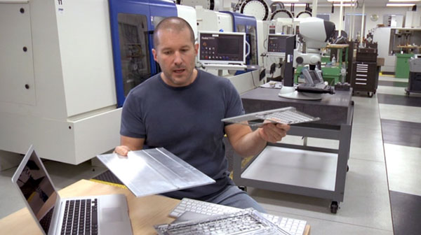 Jonathan-Ive-MacbookAir